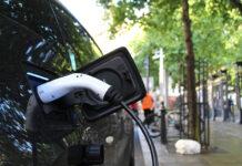 Ładowanie a żywotność baterii elektryków
