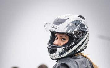 Co powinno wyróżniać ciuchy motocyklowe